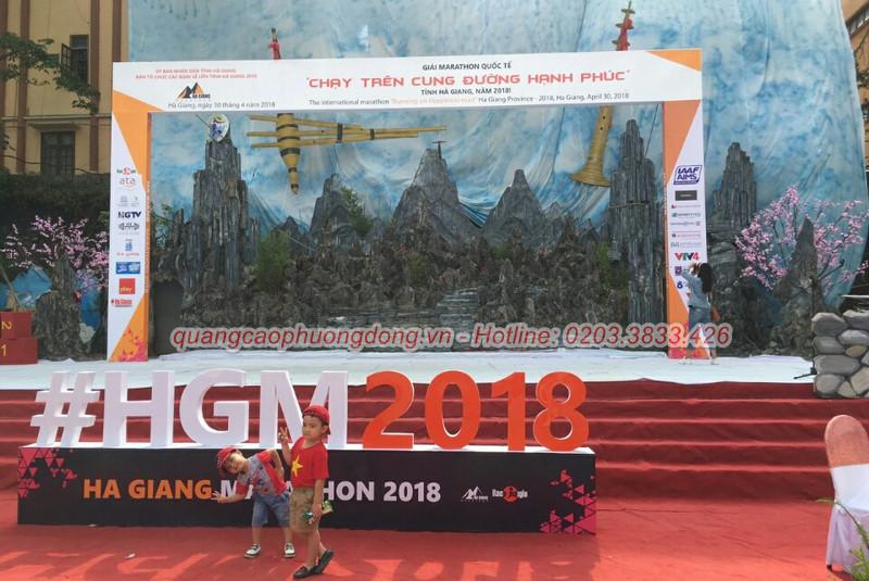 Bảng biển chương trình Marathon quốc tế tại Hà Giang