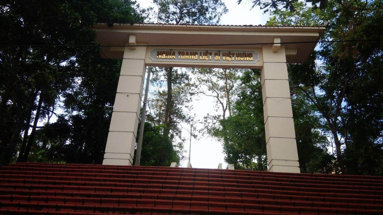 chữ nổi inox vàng gương cổng nghĩa trang liệt sĩ