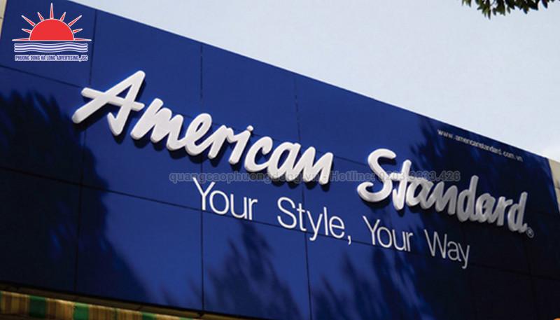 Sự tương phản về độ đậm và mỏng của font chữ biển quảng cáo