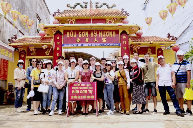 CBNV thăm quan chùa Bửu Sơn - chùa Đất Sét