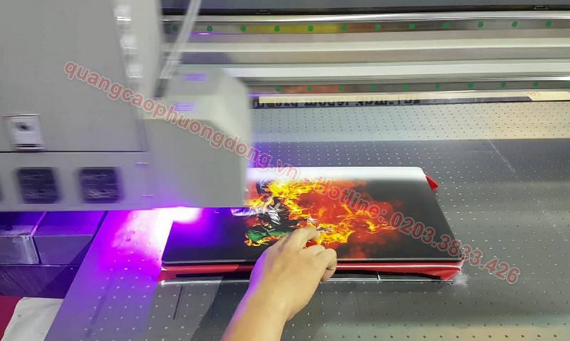 ưu điểm của công nghệ in UV đem lại cho ngành in ấn quảng cáo