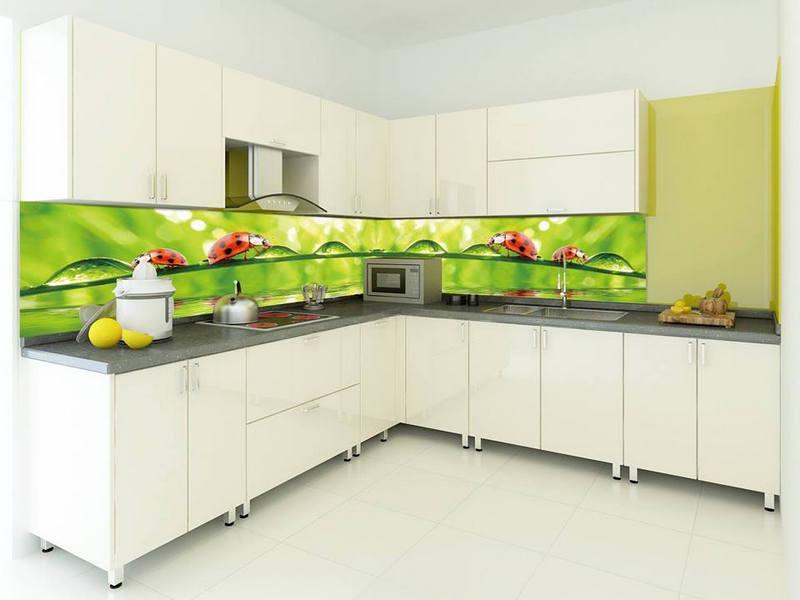 In uv kính trang trí trong bếp