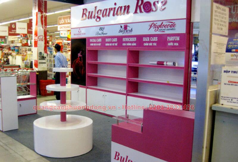 Thi công kệ trưng bày mỹ phẩm nhãn hàng Bulgarian Rose