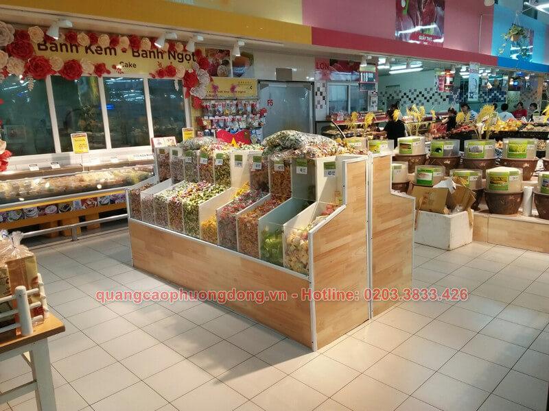 Lắp đặt kệ trưng bày trong siêu thị Big C
