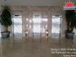 Khắc hoa văn thang máy tại khách sạn Hạ Long