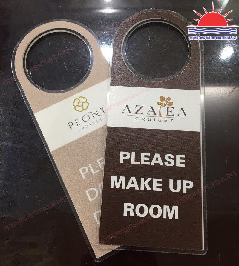 thẻ treo cửa phòng khách sạn in uv