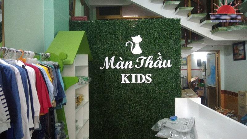 backdrop cửa hàng quần áo trẻ em
