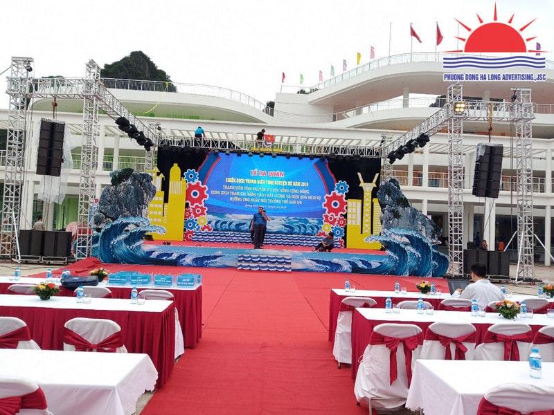 trang trí sân khấu sự kiện tại Hạ Long