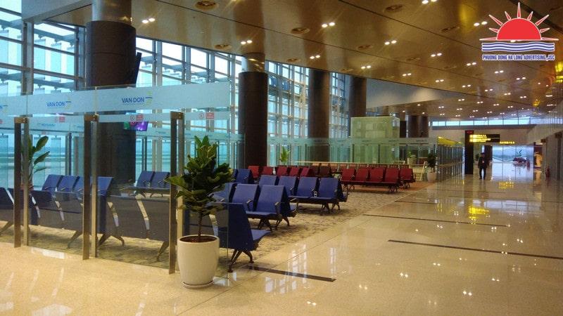 dán decal kính tại sân bay Vân Đồn