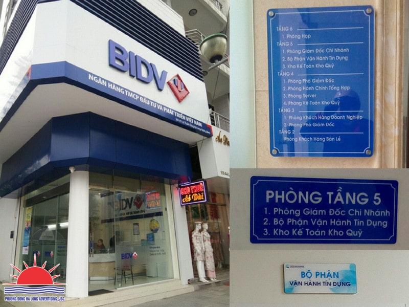 Biển bảng phòng giao dịch ngân hàng