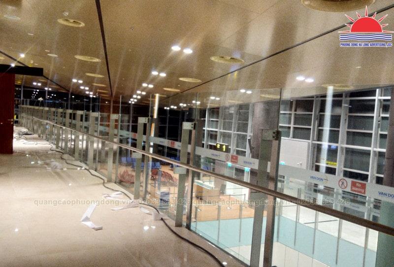 Dán kính trang trí tại sân bay Vân Đồn