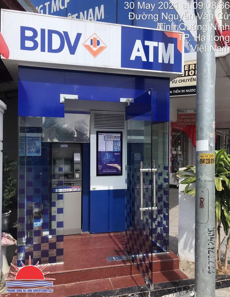 Tranh điện trang trí booth ATM