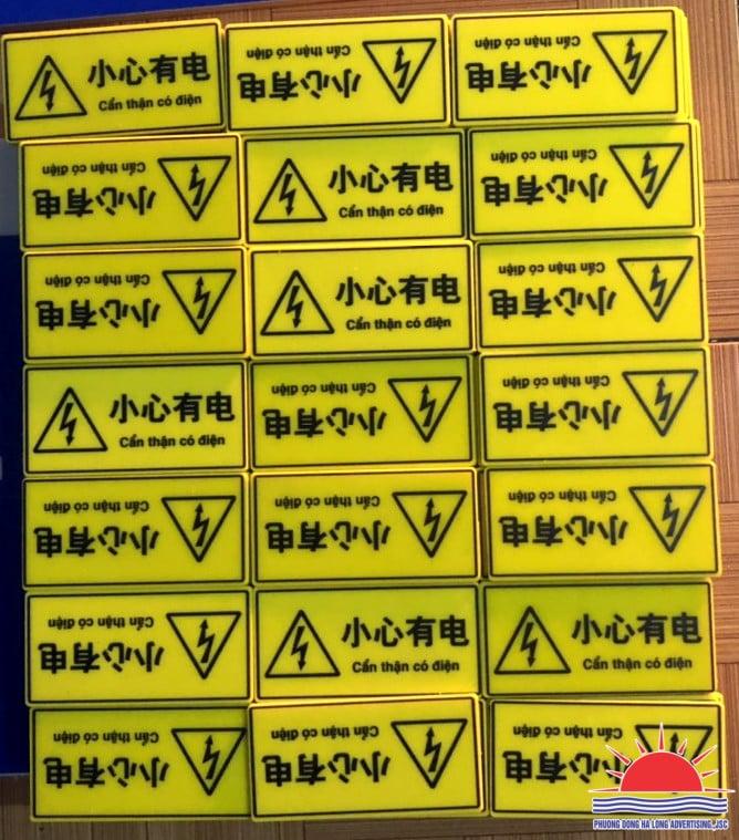 Tem UV cảnh báo có điện