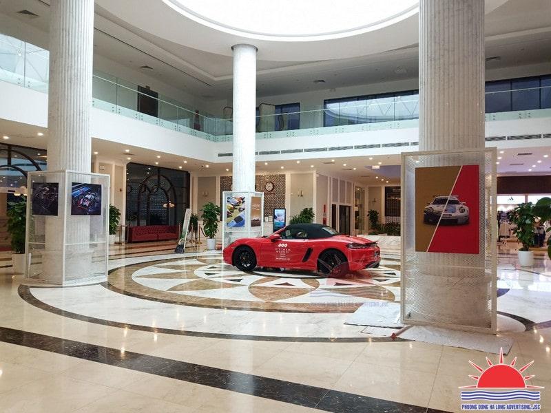 """Thi công trang trí triển lãm xe """"Porsche Cayman"""" tại khách sạn FLC Grand Hạ Long"""
