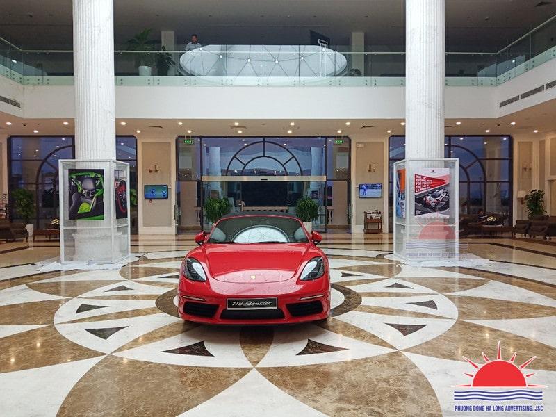 """Trang trí triển lãm xe """"Porsche Cayman"""" tại khách sạn FLC Grand Hạ Long"""